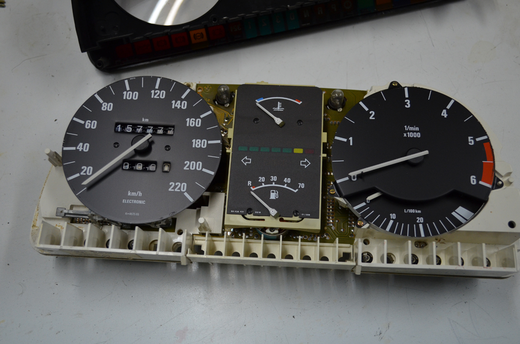 Speedometer daily counter gear replacement  - E28 Goodies