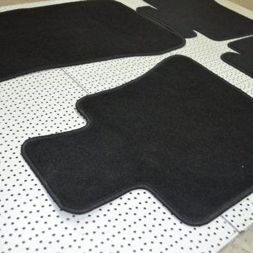 Black velour floor mat set LHD and RHD