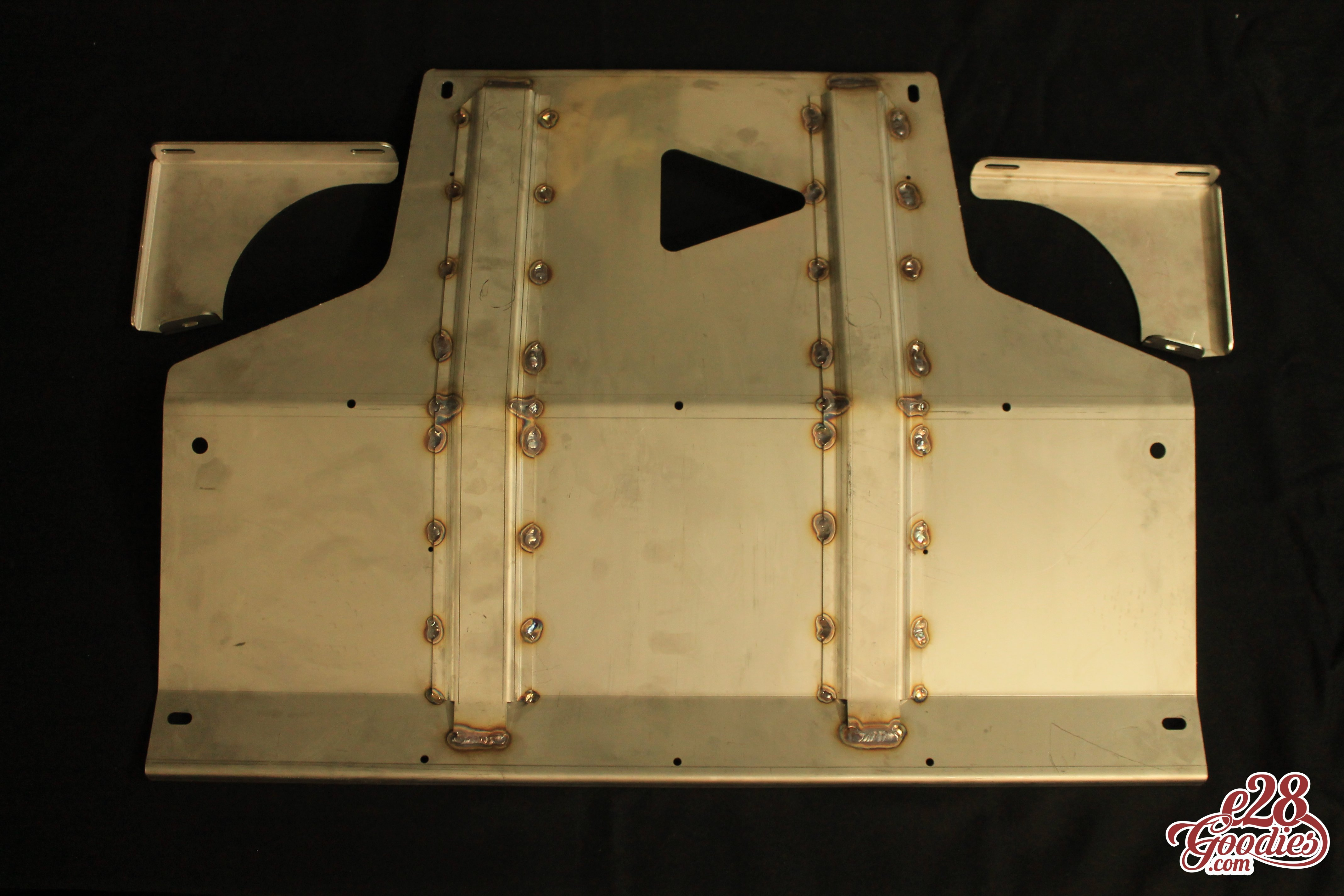 Stainless aggregate protection skid plate for M30 and M20