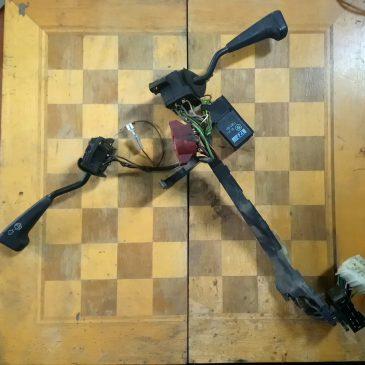 Steering wheel wiring loom